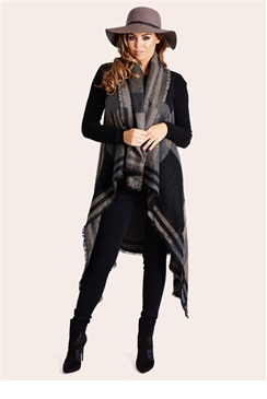 Jessica Wright Geri Knitted Cape