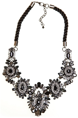 ICE FLOWER CHAIN NECKLACE