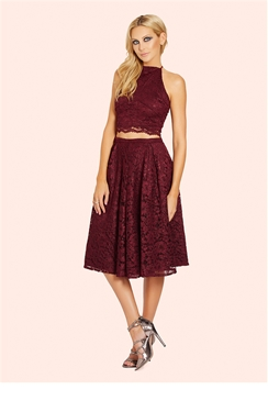 Sistaglam Arlo Berry Lace Square Neck Crop Top