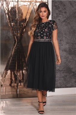 Sistaglam Ryleigh Black Floral Sequined Embellished Cap Sleeve Midi Dress